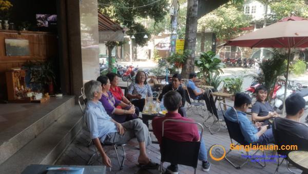 Sang gấp quán cafe căn góc hai mặt tiền giá rẻ hoặc cho thuê bán đồ ăn giá 4 triệu/tháng, đường D2, phường 25, quận Bình Thạnh.