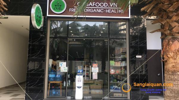 Sang cửa hàng thực phẩm tiện lợi mặt tiền đường Phổ Quang, quận Tân Bình.