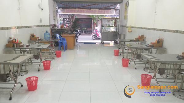 Sang nhanh quán phở giá rẻ nằm mặt tiền đường, khu dân cư đông đúc, trung tâm quận Gò Vấp.