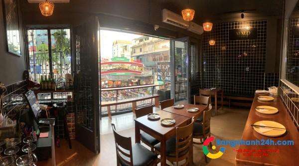 Sang nhanh nhà hàng ngay chợ Bến Thành còn rất mới