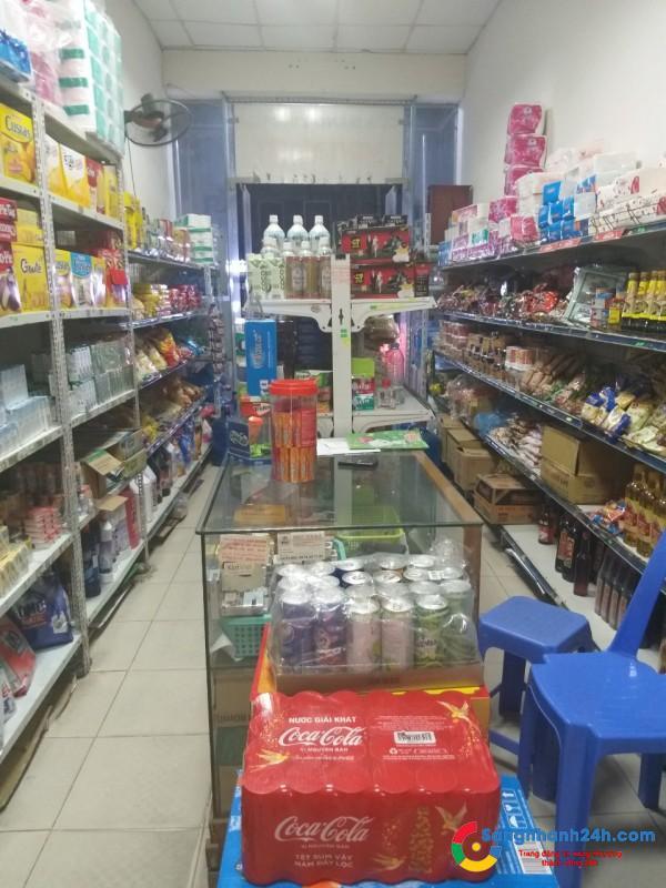 Cần sang tiệm tạp hóa đang hoạt động kinh doanh ở khu chung cư, dân cư đông đúc.